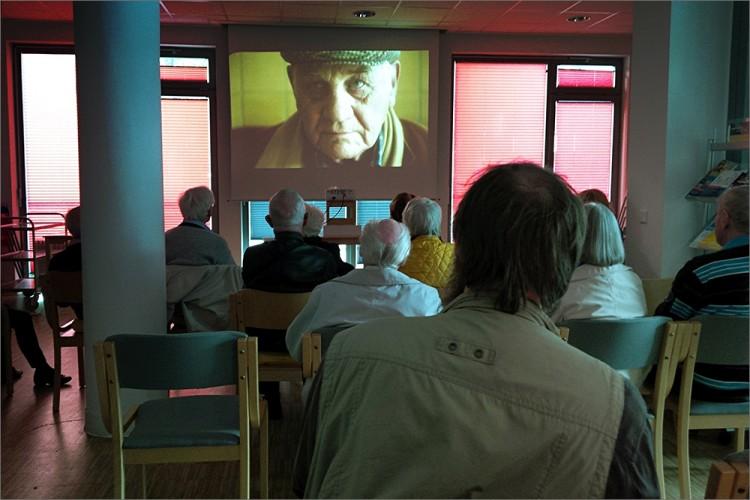 """2015, Osterbrookviertel, Film """"Das Tor zur Welt"""" / Elisabeth-Kleber-Stiftung / Seniorenförderung / Wir fördern ein aktives Leben im Alter"""